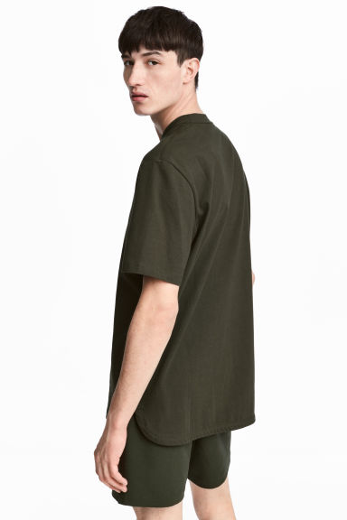 Wide T-shirt - Dark khaki green - Men | H&M