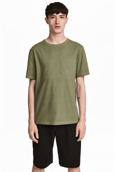 Wide T-shirt - Khaki green - Men | H&M 1