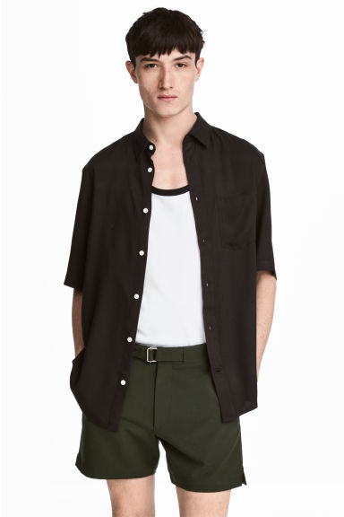 Short-sleeved shirt - Black - Men | H&M CN 1