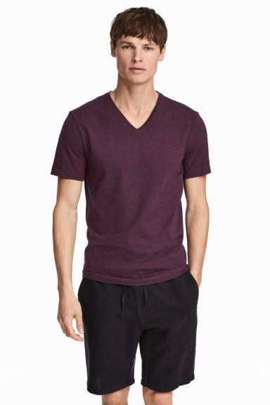 V-neck T-shirt Slim fit - Dark plum - Men | H&M CN