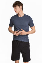 Round-necked T-shirt Slim fit - Dark blue/Narrow striped - Men | H&M 1