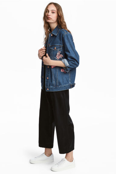Pantaloni ampi in satin - Nero - DONNA | H&M IT