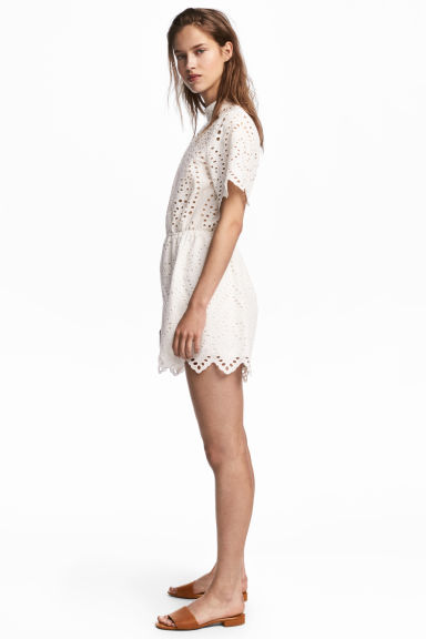 Broderie anglaise playsuit - White - Ladies | H&M CN 1