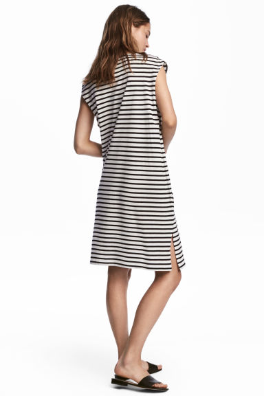 V領平紋洋裝 - White/Striped - Ladies | H&M