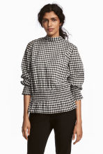 Smocked blouse - Black/White/Checked - Ladies | H&M 1
