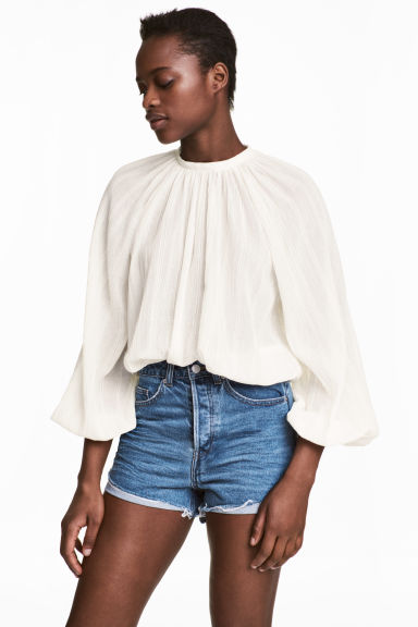 Balloon-sleeved blouse - Natural white - Ladies | H&M CN 1