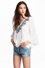 Embroidered blouse - White/Floral -  | H&M CN 1