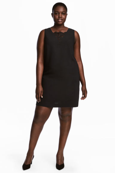 H&M+ Short dress Model