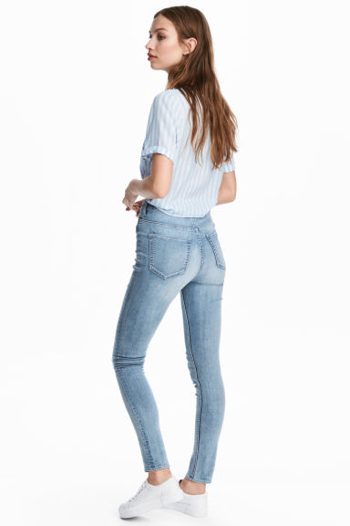 Super Skinny High Jeans Model