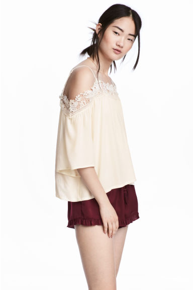 Off-the-shoulder blouse - Natural white - Ladies | H&M