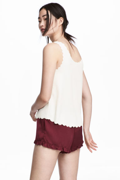 Vest top with scalloped edges - Natural white - Ladies | H&M CN 1