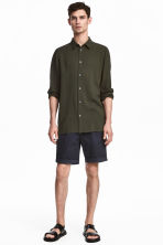 Knee-length cotton shorts - Dark blue - Men | H&M CN 1