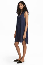 V-neck dress - Dark blue/Patterned - Ladies | H&M 1