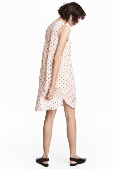 V-neck dress - Powder/Patterned - Ladies | H&M IE 1