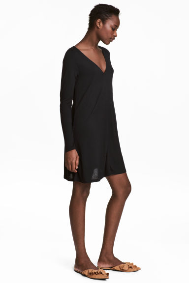 Jersey V-neck dress - Black - Ladies | H&M CN 1