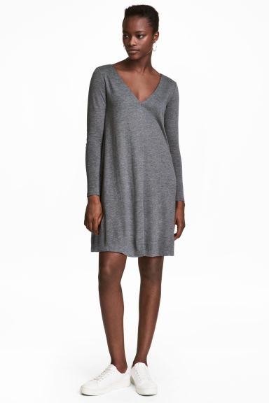 V領平紋洋裝 - Grey marl - Ladies | H&M 1