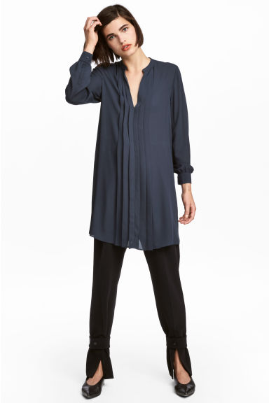 V-neck dress - Dark blue - Ladies | H&M GB 1