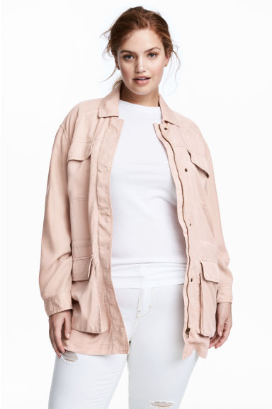 H&M+ Lyocell utility jacket Model