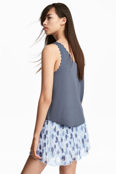 Vest top with scalloped edges - Pigeon blue - Ladies | H&M 1