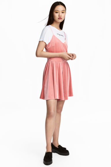 Velour playsuit - Coral pink - Ladies | H&M 1