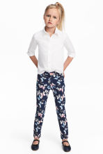 Twill trousers - Dark blue/Butterflies - Kids | H&M CA 1