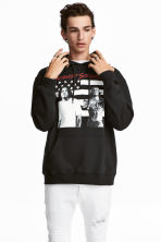 Hooded top with a print motif - Black/Outcast - Men | H&M 1