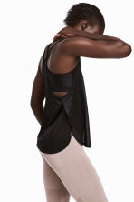 Sports top with sports bra - Black - Ladies | H&M 1