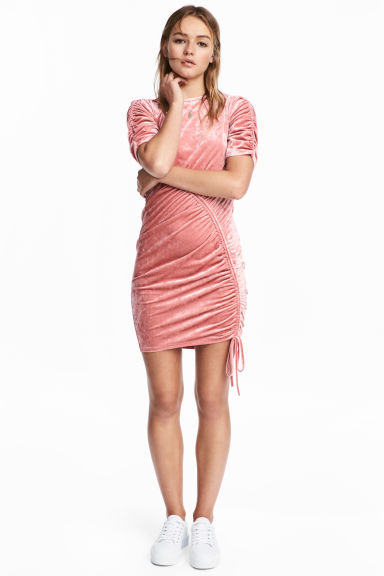 Crushed velvet dress - Coral pink -  | H&M CN