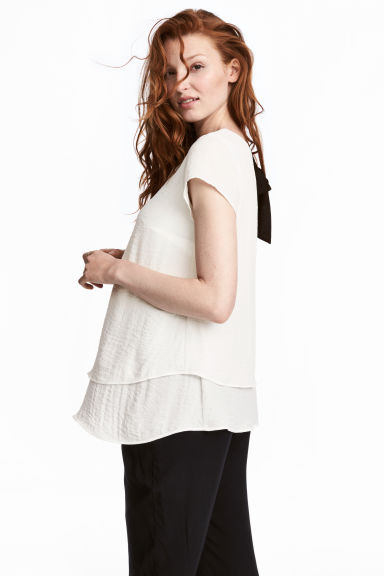 MAMA Crêpe blouse - Natural white - Ladies | H&M