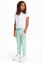 Sweatpants - Mint green/Butterflies - Kids | H&M CN 1