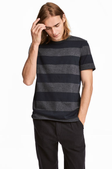 Round-neck T-shirt Regular fit - Dark blue/Striped - Men | H&M CA 1
