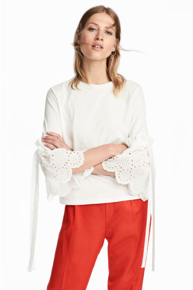 Top with broderie anglaise - White - Ladies | H&M 1