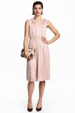 Crêpe satin dress - Powder pink - Ladies | H&M 1