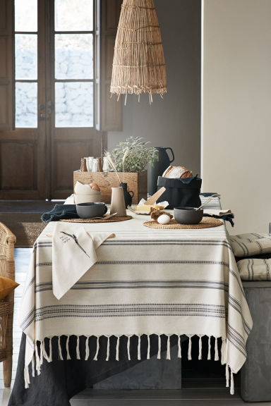 Jacquard-patterned tablecloth - Natural white/Striped - Home All | H&M CA 1