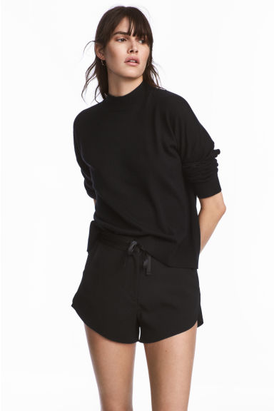 Crêpe shorts - Black - Ladies | H&M 1