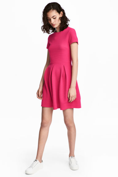 Textured dress - Cerise - Ladies | H&M