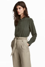 Long-sleeved blouse - Khaki green - Ladies | H&M 1