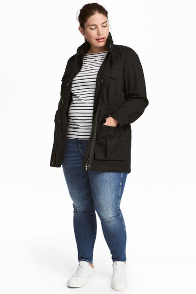 H&M+ Short cotton parka Model