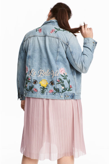 H&M+ Embroidered denim jacket - Light denim blue/Embroidery - Ladies | H&M CN 1