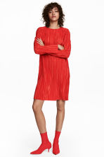 Pleated dress - Bright red - Ladies | H&M 1
