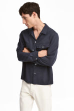 Lyocell utility shirt - Dark blue - Men | H&M 1