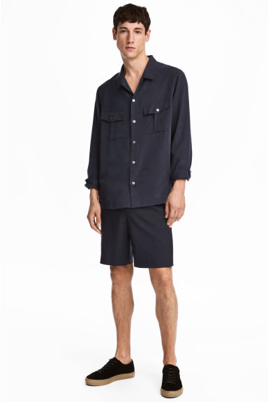 Wool shorts - Dark blue - Men | H&M GB