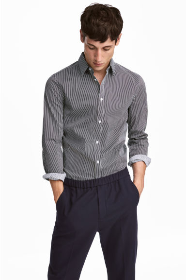 Stretch shirt Slim fit - Dark blue/White striped - Men | H&M 1