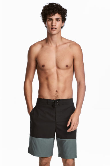 Knee-length swim shorts - Black/Green - Men | H&M 1