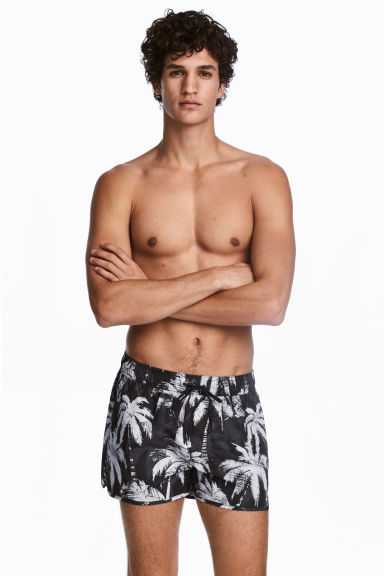 Short swim shorts - Black/Palm tree pattern - Men | H&M 1