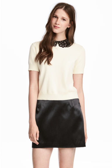 Fine-knit top with a collar - Natural white - Ladies | H&M 1