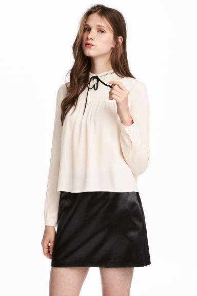 Blouse with a lace collar - Natural white - Ladies | H&M 1