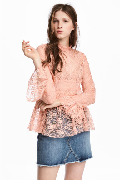 Lace blouse Model