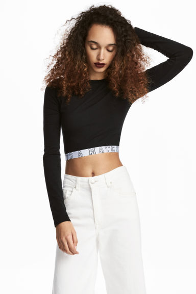 Cropped jersey top Model