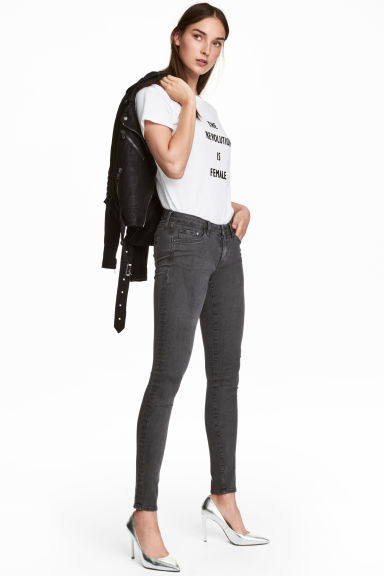 Super Skinny Low Jeans Model